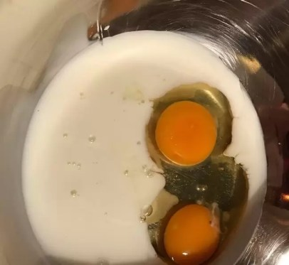 молоко, яйца