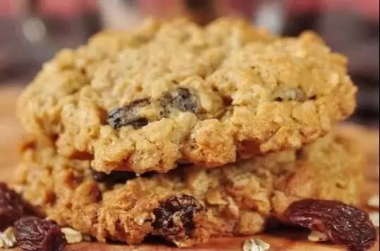 Песочное печенье с изюмом