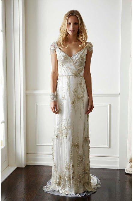 Los preciosos vestidos de Lisa Gowing