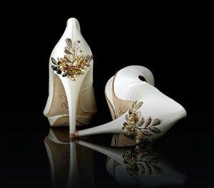 Los zapatos de novia de tus Sueños en MR. RIGHT