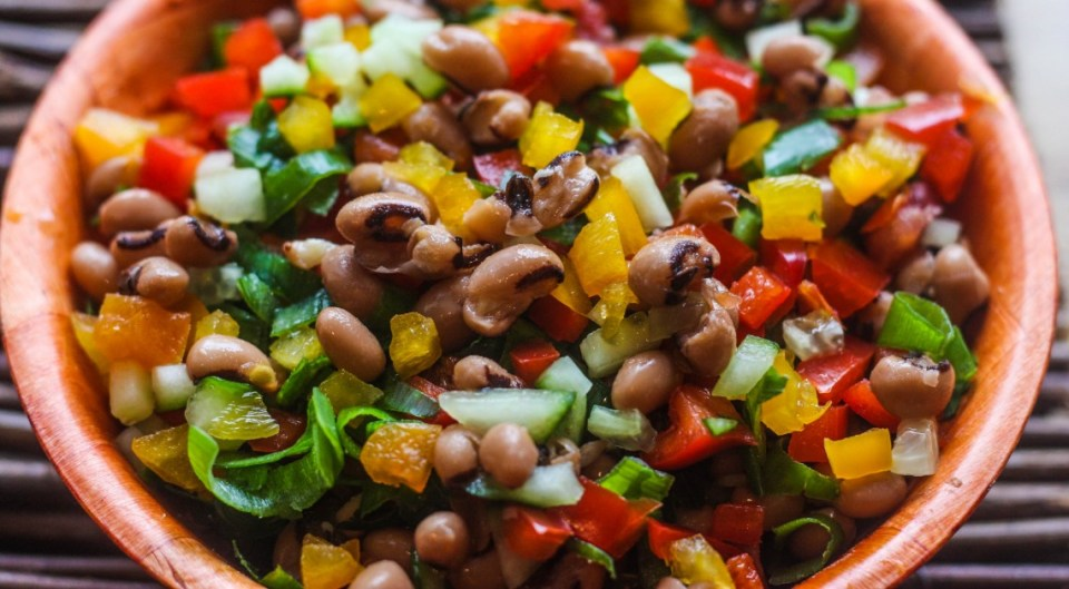Salatu Niebe (black-eyed beans salad) from Senegal