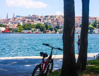 Lone bicycle photo project: Istanbul