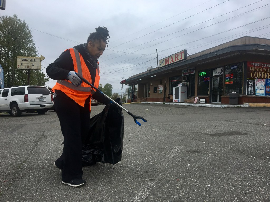 West Hill Action Mob - WHAM Spring Cleanup- 2019-04-20 - Vicky