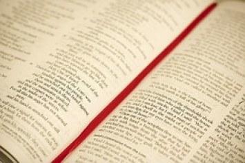 pray open bible