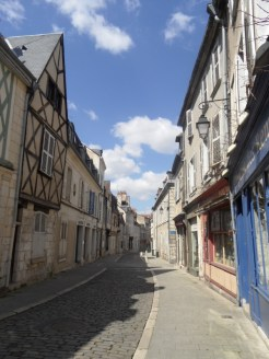 1. Bourges (51)