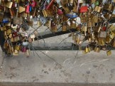 Love-locks bridge (2)