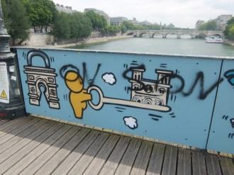 Love-locks bridge (36)