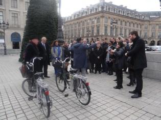 2.Paris Charms & Secrets (3)