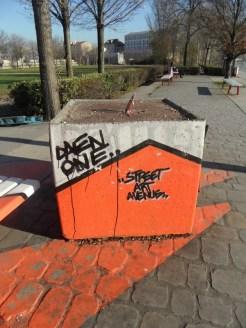 street-art-avenue-saint-denis-6