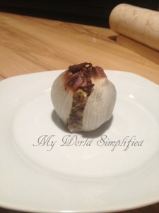 Onion stuffed with meatloaf