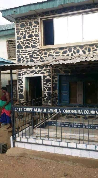 BIOGRAPHY AND UNTOLD STORY OF AYINLA OMOWURA 8