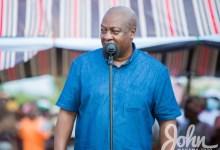 Photo of Akufo-Addo baths in corruption; reject him – Mahama