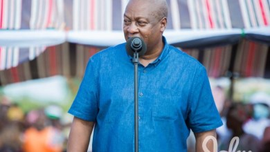 Photo of Akufo-Addo baths in corruption; reject him – Mahama