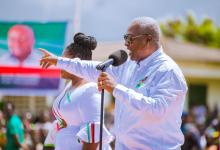 Photo of Akufo-Addo's 'sakawa' gov't has put your lives in reverse gear; vote him out – Mahama to Ghanaians