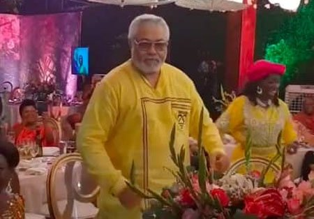 Photo of VIDEO: RAWLINGS DANCES AND KISSES NANA KONADU AGYEMANG RAWLINGS ON 70TH BIRTHDAY