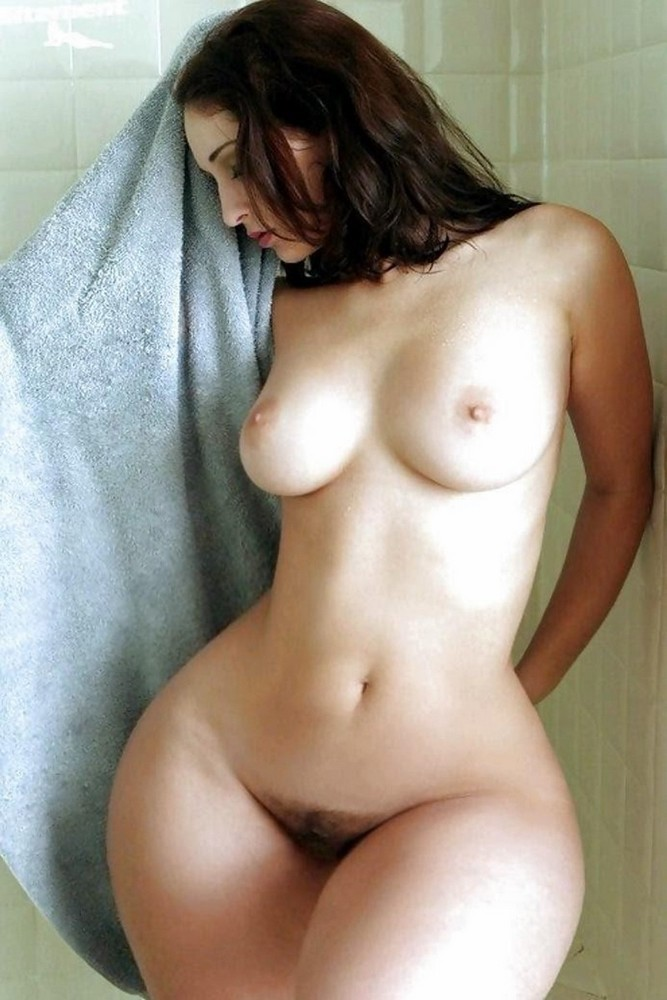 Big Hips Naked : naked, Women, Myzpics.com