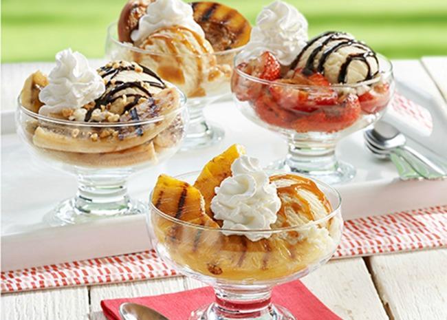 crunchy fruit sundae