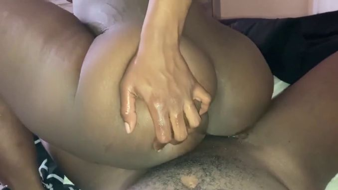 Thick South African Booty With Wet Pussy Rides Dick