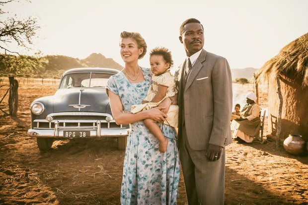 a_united_kingdom_david_oyelowo_rosamund_pike-2_7636_l