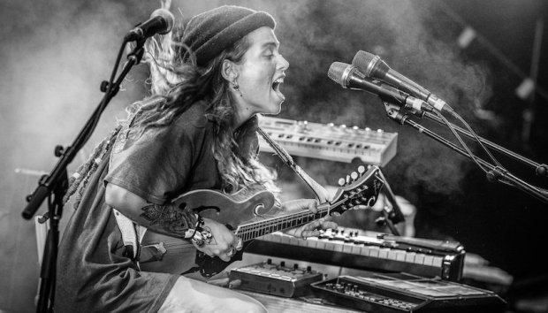 Tash-Sultana-Photo-by-Ben-Houdijk-840x480.jpg