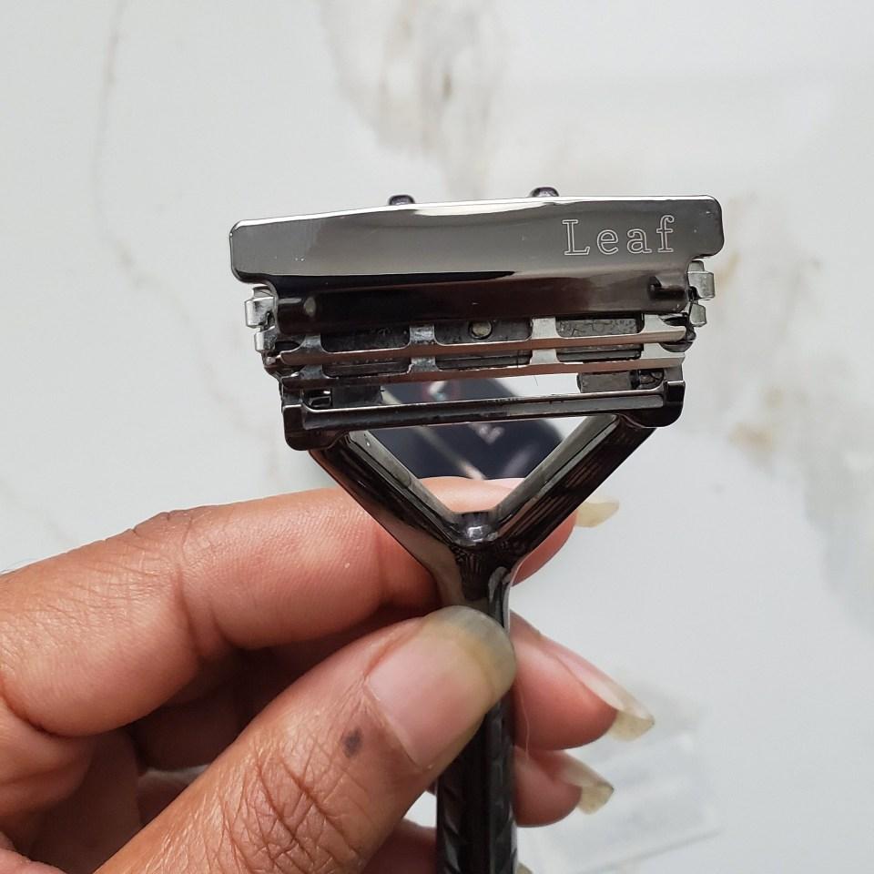 leaf-shave-razor-front
