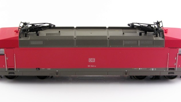 Nachbildung der Dachstromabnehmer Typ DAS- 350 S mit Stützisolatoren
