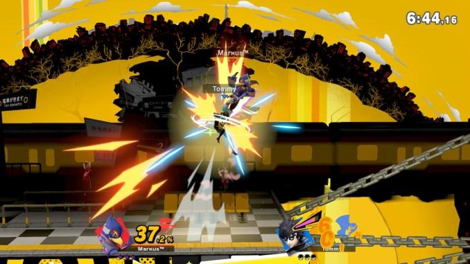 Das Foto zeigt, wie Falco von oben ein Drehkick auf Joker macht.
