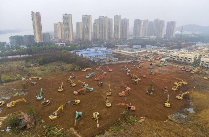 Das Bild zeigt die Bauarbeiten an dem Notfall-Krankenhaus in Wuhan, um das Wuhan-Corona-Virus zu behandeln.