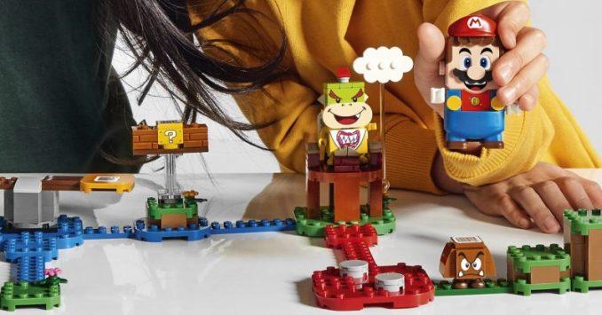 Das Bild zeigt ein von LEGO und Nintendo präsentiertes Level.