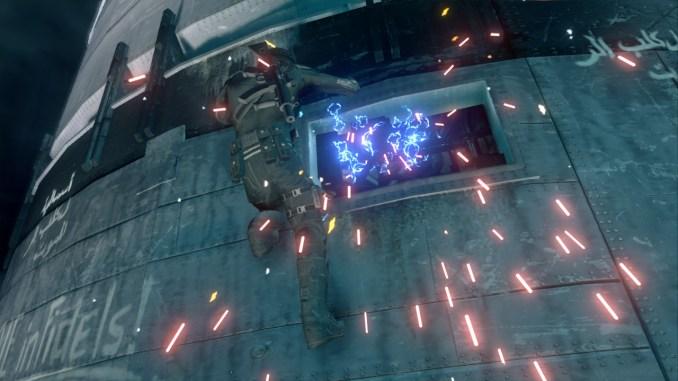 Das Bild zeigt den Spieler, wie er an einer Nuklearrakete hängt und diese versucht mit bloßen Händen zu entschärfen.