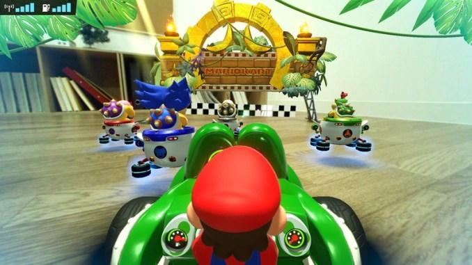 """Das Bild zeigt die neue Strecke """"Slip Circuit"""" in """"Mario Kart Live: Home Circuit""""."""