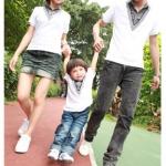 ชุดครอบครัวเซต3ชิ้น ดีไซด์เป็นเสื้อ2ชั้น ชั้นในลายสก็อต/ชั้นนอกเสื้อคอV พ่อ+แม่+ลูก