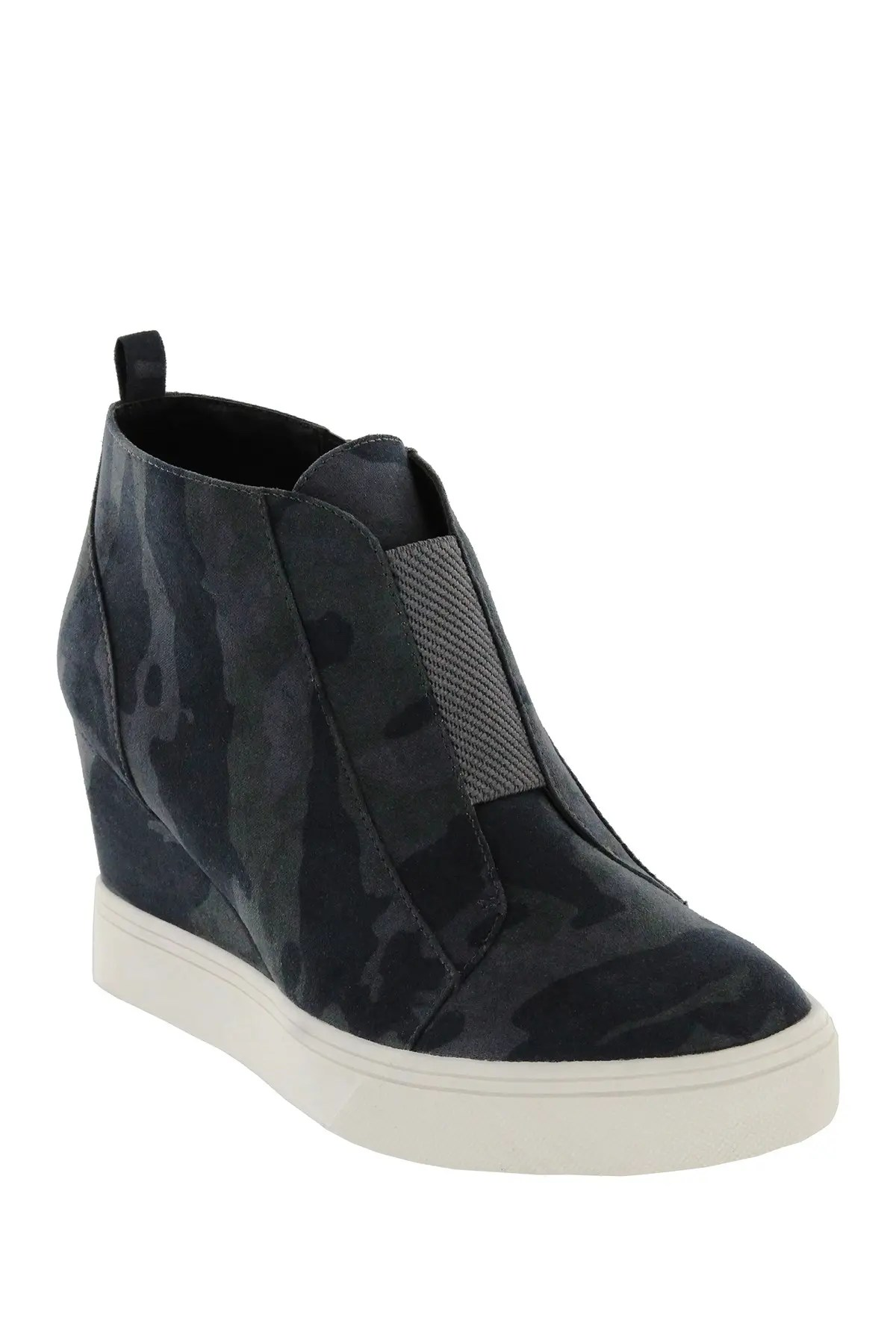 sneakers for women clearance