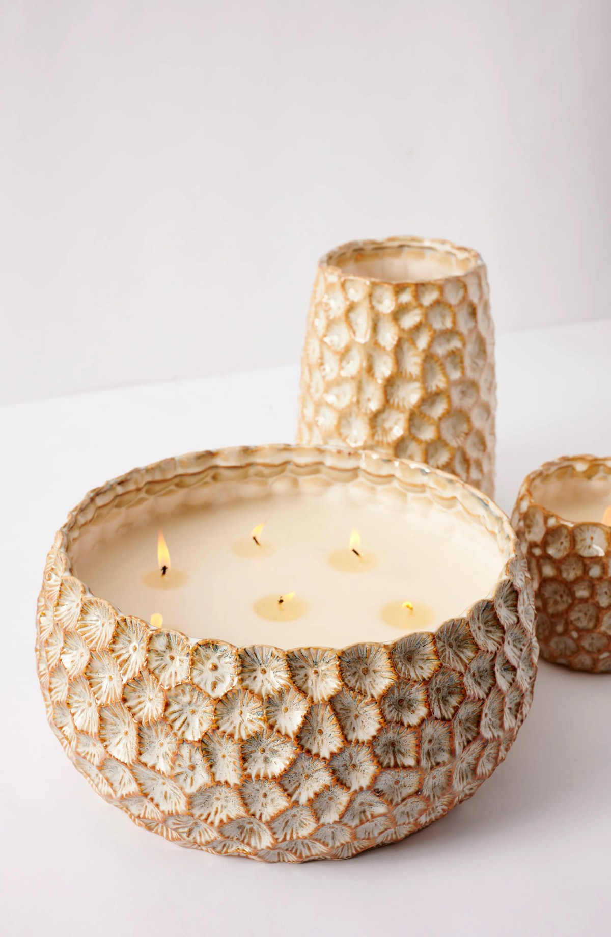 ANTHROPOLOGIE HOME Large Honeycomb Scented Candle, Alternate, color, TONKA AND TOBACCO LEAF