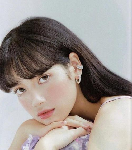 LISA蜜桃妆