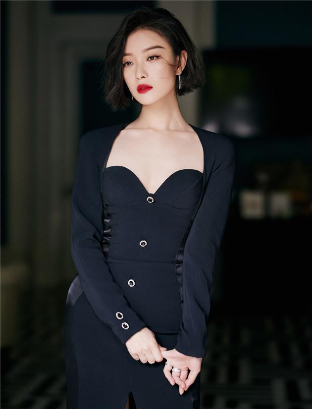 倪妮美艳造型