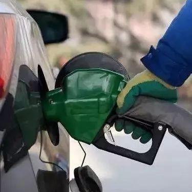 92號和95號汽油混加會出大事?很多人在加油時都加錯了! 汽油 加油 標號_新浪新聞