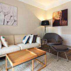 Rustic Kitchen Clock Black And White Striped Rug 91平米的三口之家 质朴与时尚相互渗透 营造平静与温馨的气氛 客厅 三口 营造平静与
