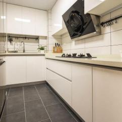 Rustic Kitchen Clock Small Remodel 91平米的三口之家 质朴与时尚相互渗透 营造平静与温馨的气氛 客厅 三口 营造平静与