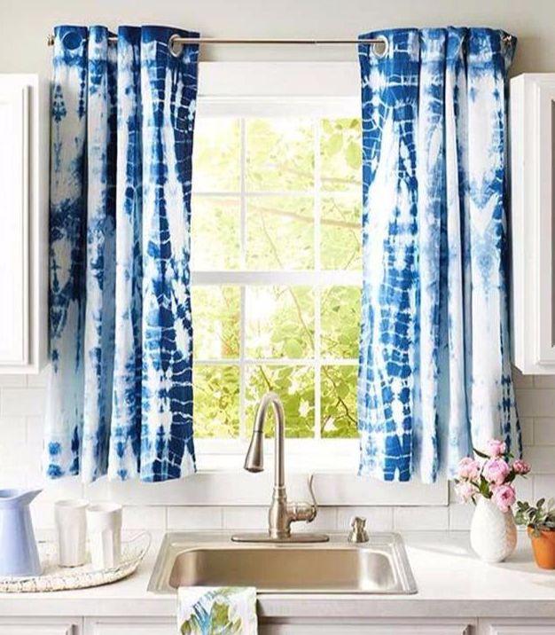 blue kitchen valance small island with storage 厨房通常设计为通风且开放 安装窗户处理并不一定要结束光线 窗帘 胶带 安装窗户处理并不一定要结束