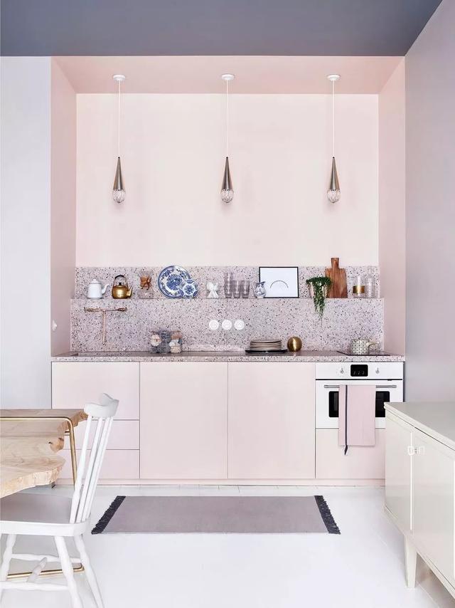 kitchen to go cabinets counter bar stools 去吊柜的厨房设计 竟然可以这么好看 吊柜 厨房 隔板 新浪网