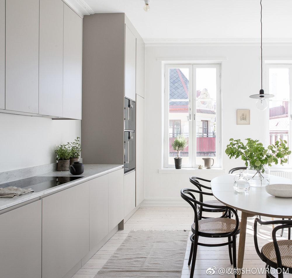 kitchen matt build your own island 厨房设计 柔和的亚光灰色橱柜搭配大理石台面 亚光 橱柜 灰色 新浪网 厨房亚光