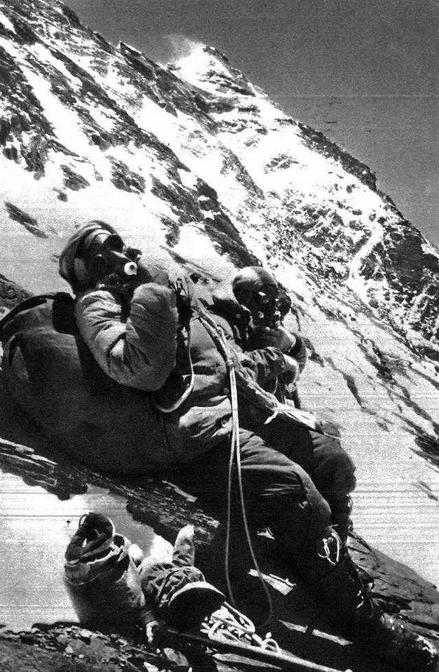 為什么中國人1960年登頂珠峰不為西方人承認?|登頂珠峰_新浪財經_新浪網
