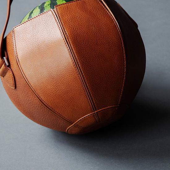 專門裝西瓜的真皮手袋 你見過么