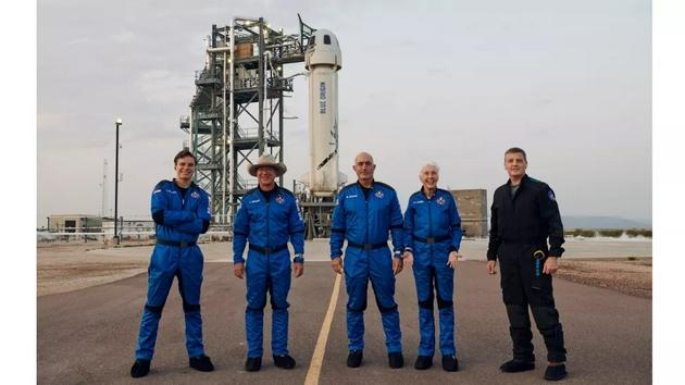 藍色起源的首次亞軌道載人飛行任務的機組成員。