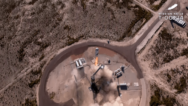 Blue origin successfully sent William Shatner and his three companions to the edge of space and returned(3)