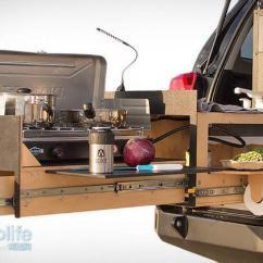 Outdoor Kitchen Bar 24 Sink 去野吧 有了这套厨房设备户外野炊照样上大餐 手机新浪网 据介绍 这套厨房使用一个底座系统可以放在丰田4 Runner或tacoma车的后面 还能适配吉普jk 4门等车 它有管道和布线预装 就可以直接连接到车载电源上来使用