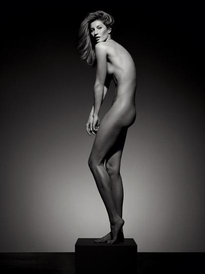 邦辰全裸慶入行20年 身材健美似希臘女神