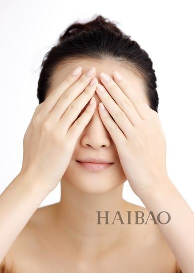 黑眼圈浮腫眼beybey 冬季眼周護理必知這4件事|眼霜|眼部護理|修護_新浪時尚_新浪網