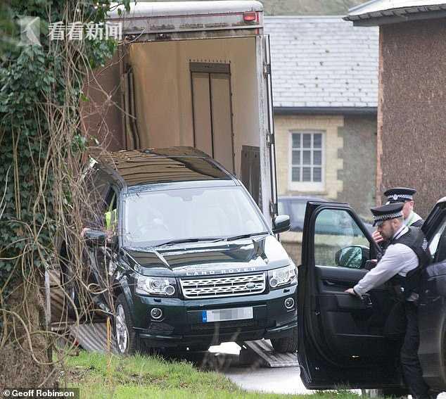 車禍不到24小時 97歲英國親王又弄一輛嶄新路虎 菲利普 路虎 親王_新浪新聞